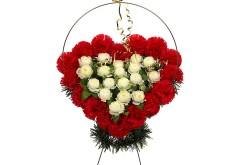 Изделие корзина в форме сердца (в центре белые или бежевые цветы) РК05503
